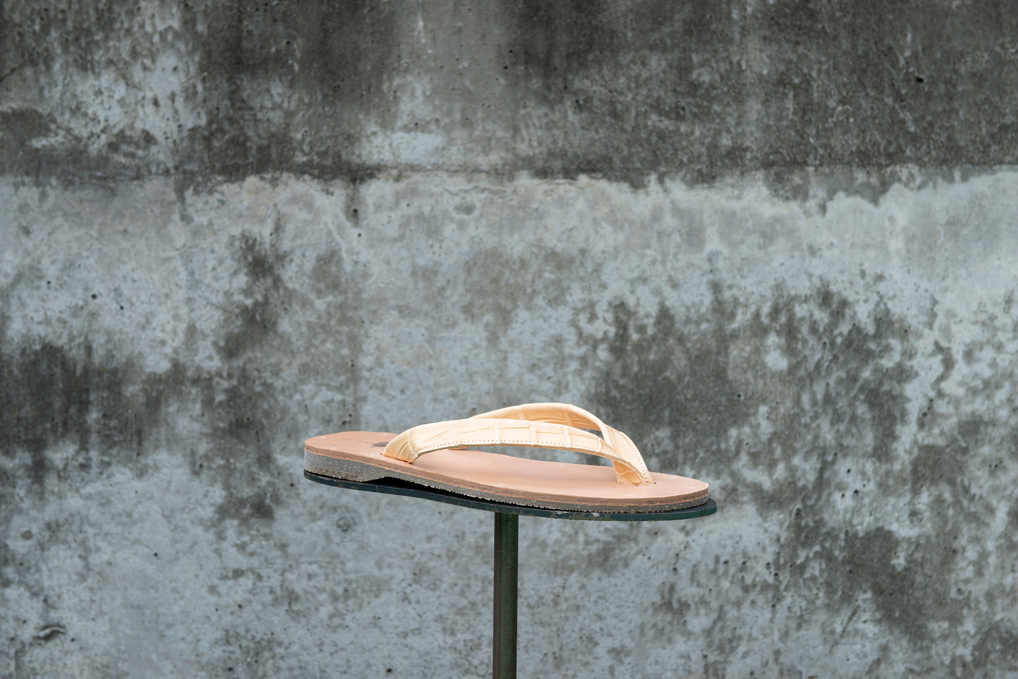B-sandals
